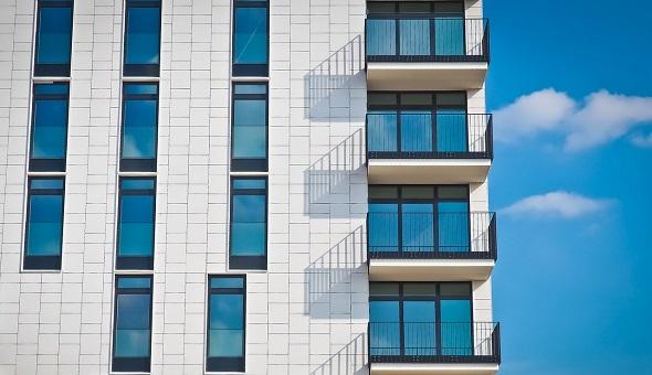 Bei der Finanzierung einer Pflegeimmobilie versprechen verschiedene Kredite unterschiedlich hohe Sparpotentiale.
