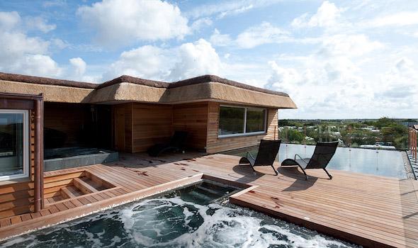 Hvidbjerg-Strand-Feriepark - Bungalow mit Pool