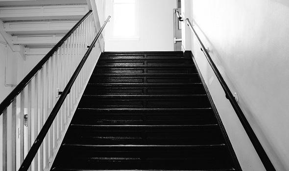 Der Einbau eines Treppenlifts ist ein kostenintensives Vorhaben.