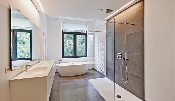 Der Umbau von Wanne zur ebenerdigen Dusche lässt sich innerhalb eines Tages realisieren.