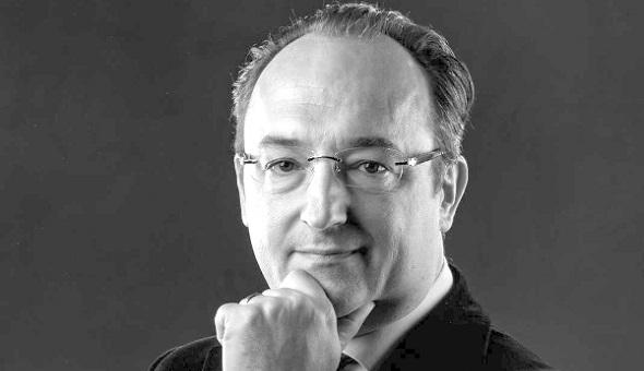 Prof. Dr. med. Dr. phil Victor Valderrabano, international renommierter Spezialist für Orthopädische Chirurgie und Chefarzt des SWISS ORTHO CENTER in Basel, Schweiz