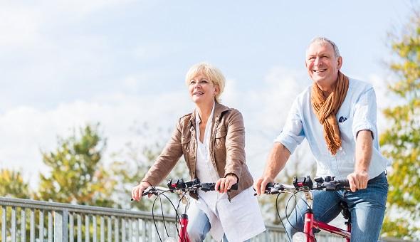 Regelmäßige Bewegung fördert die Gesundheit und Eigenständigkeit im Alter.