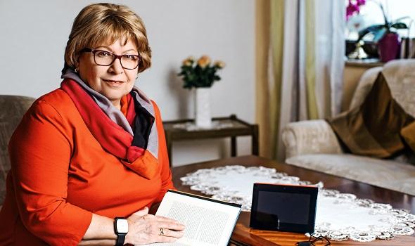 Integriert sich perfekt in Ihr Zuhause – das SEGUNA Home Hausnotruf-Tablet (Foto: MEDI-MARKT Homecare GmbH)